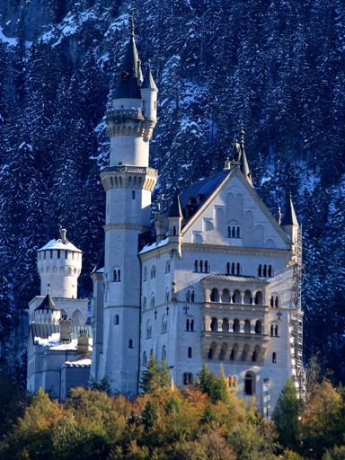 Fantasy Castles Real World Castles With Fairytale Designs