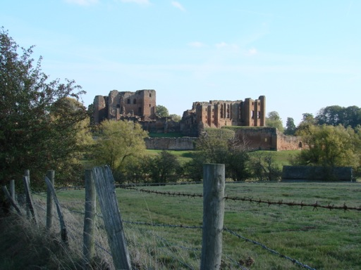 Overview of Kenilworth Castle