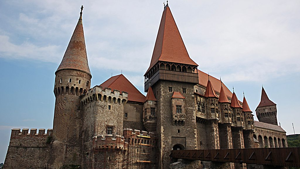 european castles of the medieval era essay In european history, the middle ages, or medieval period, lasted from the 5th to  the  the kings and lords lived in castles and were attended to by their personal .